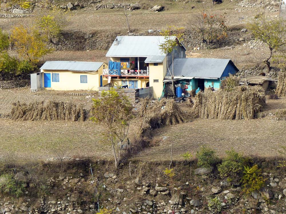Typical house on the outskirts of Jared.