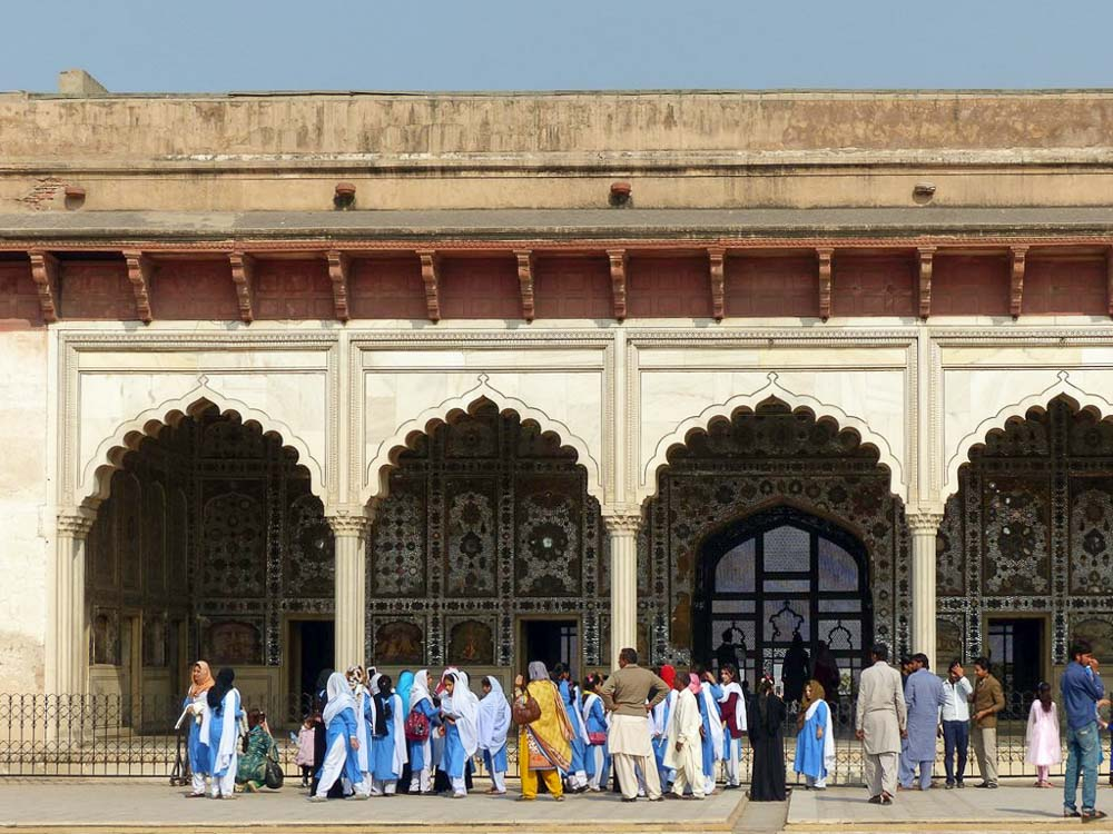 Pakistani tourists at Lahore Fort.
