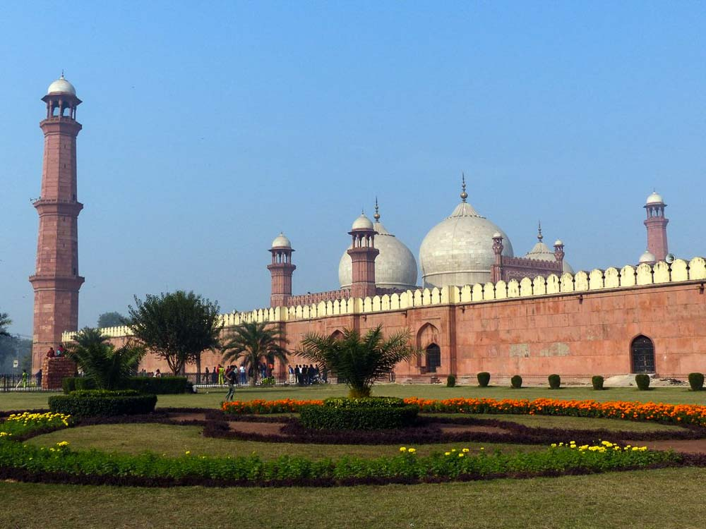 Badshahi Mosque in old Lahore. Total capacity is 100,000 worshippers. Minarets are 196 feet tall.