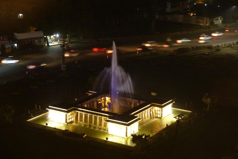 Fountain seen from Montal restaurant