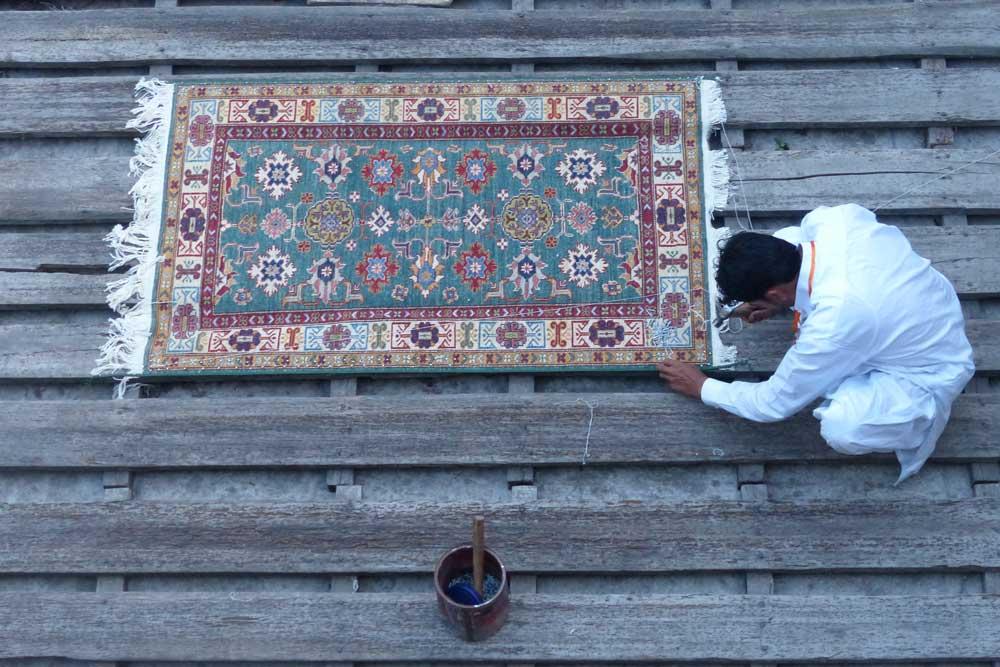 Neeming a rug
