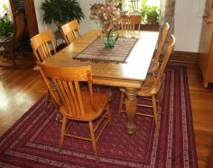 khan mamdi in dining room
