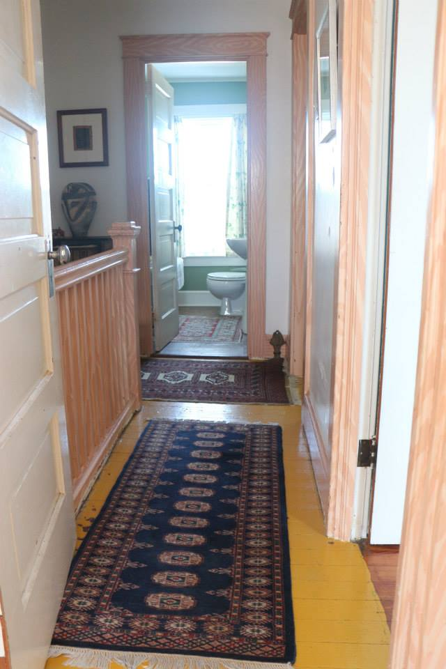 rugs-in-small-spaces-05
